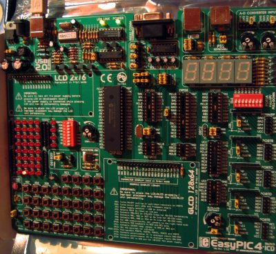 mikroElektronika EasyPIC4 Development Board